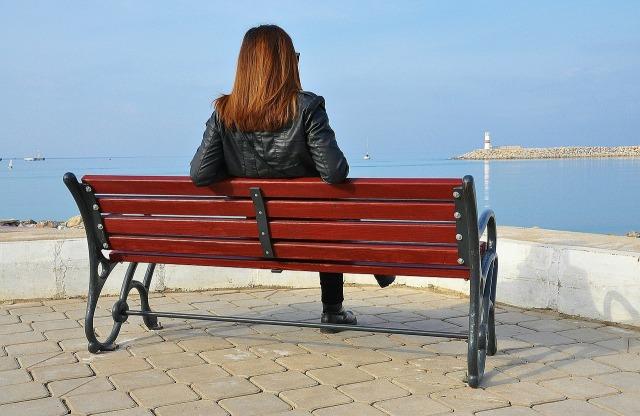 bench-605957_1280